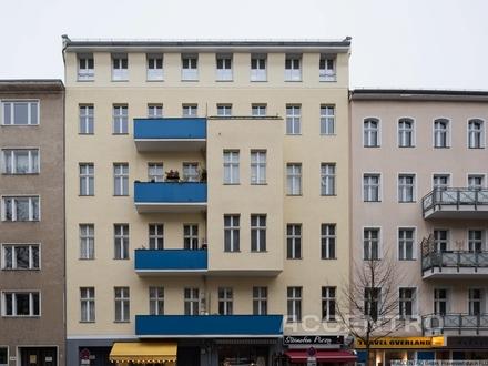 2-Zimmer-Dachgeschoss-Wohnung mit Terrasse in Schöneberg