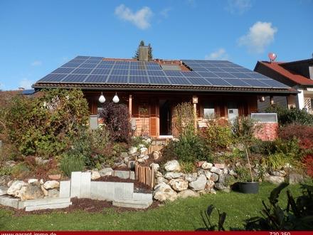 Großes, gepflegtes Haus mit Photovoltaikanlge in guter Lage