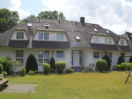 Ansprechende und ruhige 4-Zimmer- Wohnung mit Blick auf die Weser