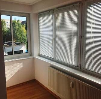 Das ist der absolute Wahnsinn! 2 Zimmer mit Wintergarten, Balkon, Tiefgarage und Aufzug
