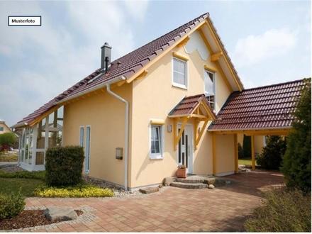 Zweifamilienhaus in 69226 Nußloch, Fahrweg