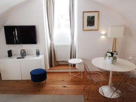 Exklusive voll Möblierte 2-Zimmer Wohnung in Top-Altstadtlage am Fuße der Festung!