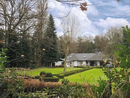 Exklusive Villa im Außenbereich mit traumhaftem Garten