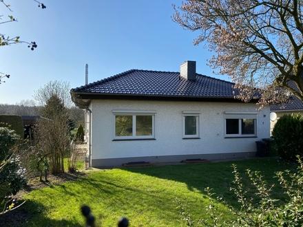 Attraktiver Einfamilien-Bungalow mit Keller, Garage und großem Grundstück in Harpstedt-Dünsen