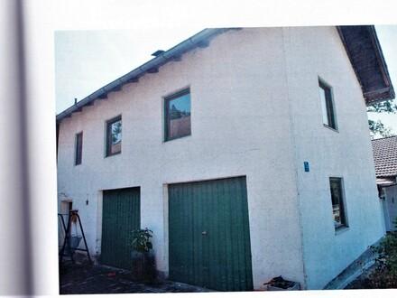 Ländliches Anwesen/Hofstelle: 3 Wohn-/Wirtschaftsgebäude