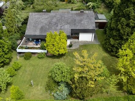 Freistehendes Traumhaus mit Doppelgarage, Einliegerwohnung und großem Garten