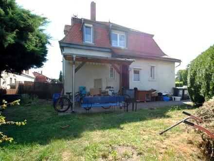 Historische kleine Doppelhaushälfte in Ffm-Zeilsheim sucht eine neue Familie!!
