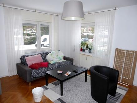 Voll möblierte 3,5-Zimmer-Wohnung mit Balkon am unteren Ulmer Kuhberg.