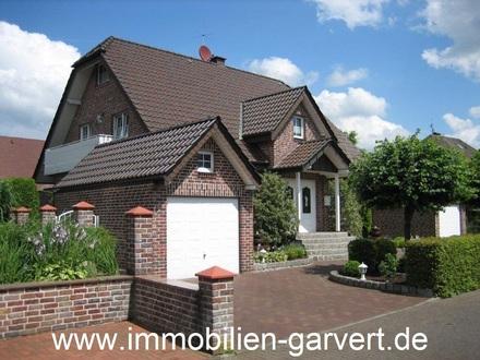 Zweifamilienhaus mit ausgebautem Souterrain und 2 Garagen in ruhiger Lage in Dorsten-Rhade