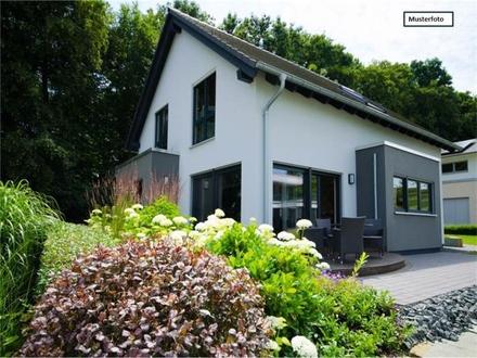 Zwangsversteigerung Zweifamilienhaus in 73635 Rudersberg, Kohlwaldstr.