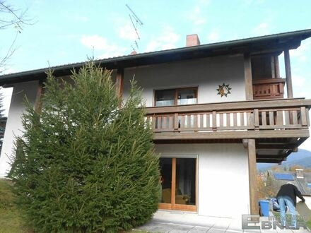 Ca. 5 % Rendite! - Großes 3-Familienhaus Nähe Deggendorf