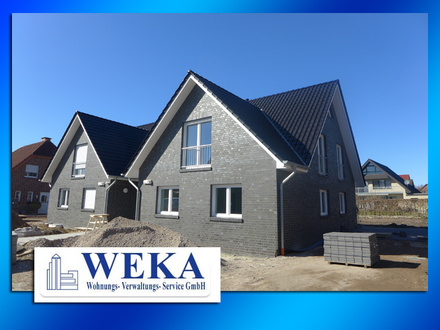 ERSTBEZUG - Moderne 3-Zimmer-Dachgeschosswohnung mit Einbauküche und Carport