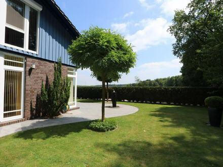 Keine Käufercourtage! Ruhiges Wohnen in Golfplatznähe. Hochwertiges Haus mit bester Ausstattung.