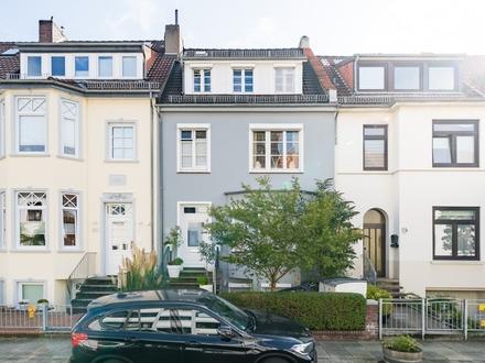 Schmuckstück in Peterswerder! Zweifamilienhaus mit Balkon und Garten. Obj. 5363
