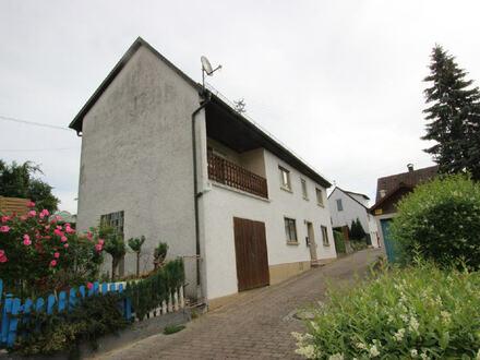 Großzügiges Wohnhaus in ruhiger Lage zum Renovieren