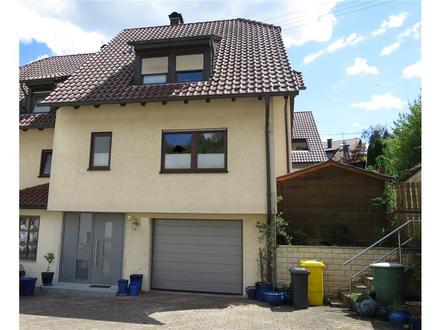 Gepflegte Doppelhaushälfte mit Garage und Garten