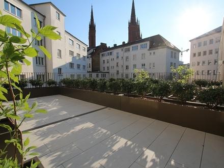 Offene Wohngestaltung mit sonniger Terrasse