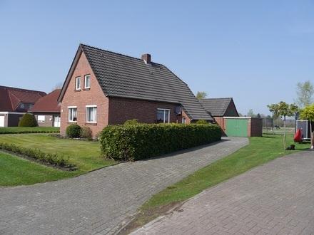 Fehnhaus auf großzügigem Grundstück mit Feldblick in Moormerland! FESTPREIS!