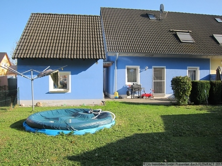 Ideale Doppelhaushälfte für Ihre Familie in schöner Lage von Altenstadt