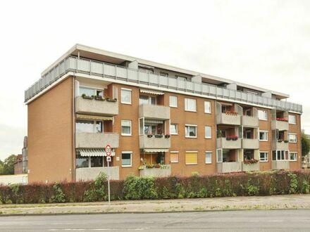 TT bietet an: 3-Zimmer-Wohnung mit Westbalkon und PKW-Stellplatz!