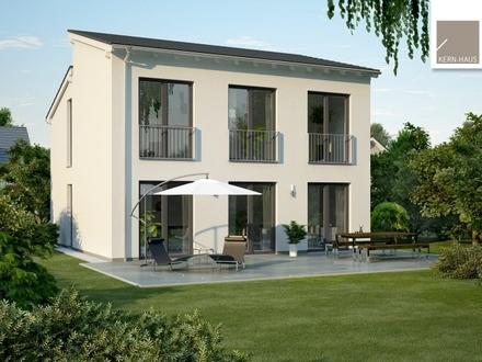 Überzeugt durch moderne Pultdach-Architektur und große Fensterflächen!
