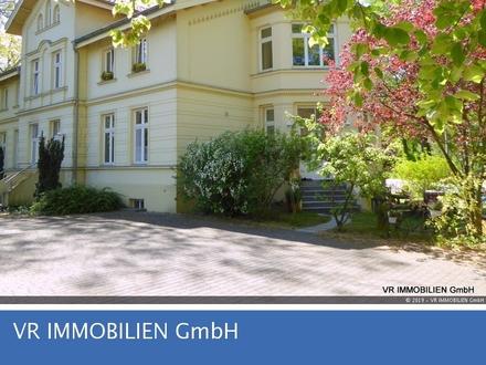 Großzügige Eigentumswohnung in einer schönen Stadtvilla mit Gartenanteil in der Schlossgartenallee