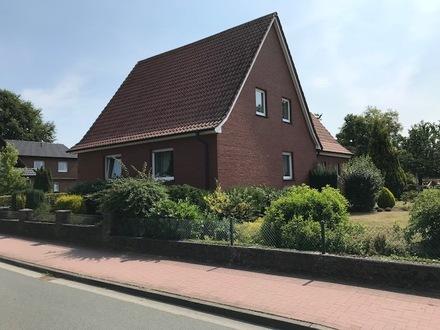 Einfamilienhaus mit großem Grundstück