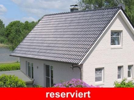 Erstklassiges Wohnhaus in Westerstede-Karlshof in direkter Seelage am Sandstrand / mit Seeblick