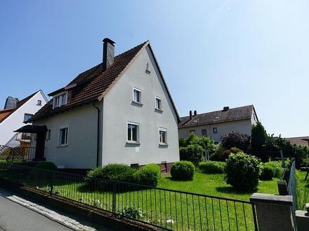 Charmantes Einfamilienhaus mit Garage in Rödental-Mönchröden