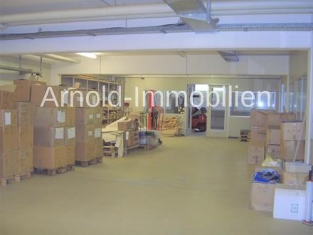 ARNOLD-IMMOBILIEN: Lagerfläche mit 2 Büros in zentraler Lage
