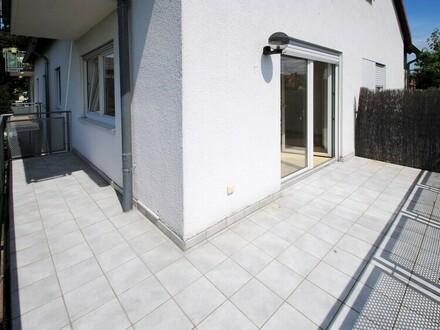 Pfiffige 2-3-Zimmer-Wohnung incl. 2 Garagenplätzen in Ruhelage von Hattersheim!
