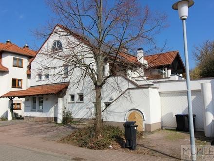 2-Familienhaus mit Praxis (vermietet), Maisonette-Wohnung und Garten