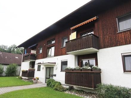 Attraktiv aufgeteilte 3-Zimmer WHG. mit zwei Balkonen in schöner Lage!