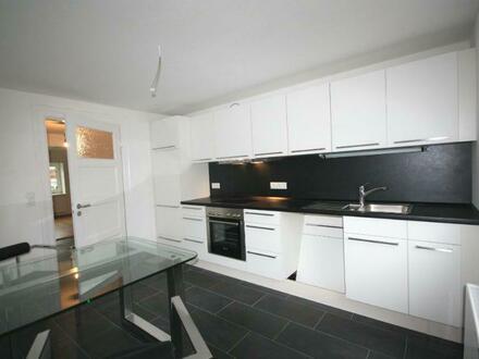 Moderne 3,5-Zimmer Wohnung mit eigenem Hauseingang