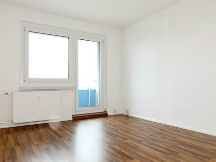 Wellness daheim! Schickes Bad und Balkon! 2-Raum Wohnung günstig mieten