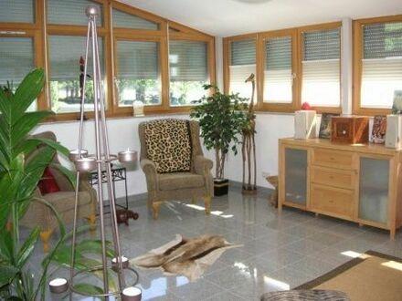 Hochwertige Wohnung 150 m² -Wintergarten, Terrasse und Balkon auf einer Ebene!
