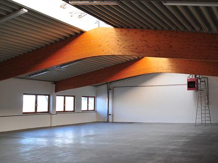 Produktions- und Lagerfläche * zweigeschossige Halle mit Büroräumen * ebenerdige Andienung