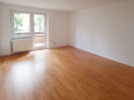 **ERDGESCHOSS** Laminat // Balkon // Tageslichtbad + Wanne // Küchengutschein*