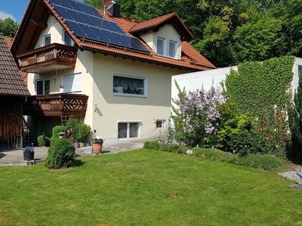 Traumlage: Ein Haus am Fluß, mitten in der Stadt, dennoch ruhig und im Grünen gelegen