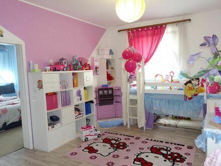 1 7 4. 9 0 0,- für 4 Zimmer 8 4 qm mit Küchen- BALKON in ruhiger Südstadtwohnlage