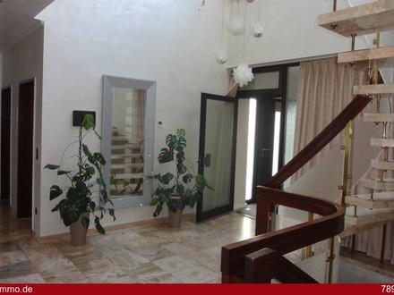* Sehr hochwertig ausgestattes Einfamilienhaus mit Einliegerwohnung in TOP Lage *