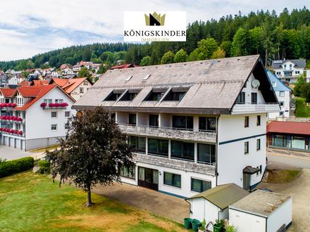 Wohn- und Gewerbeeinheit mit Café/Restaurant / Praxis / (Ferien)-Wohnungen in Schonach am Kurpark