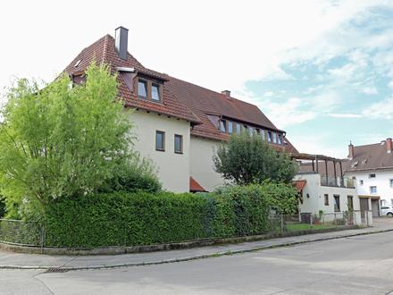 Renovierte 3- Zimmer-Dachgeschosswohnung