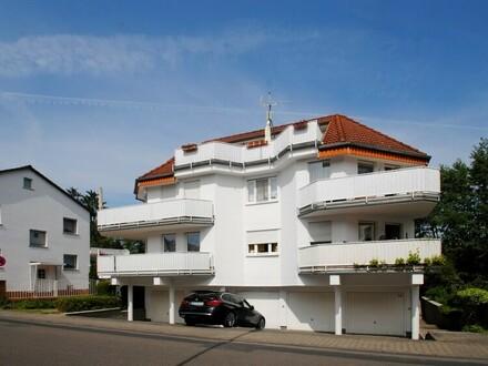 Schwalbach-Sie suchen das Besondere? Exzellenter Wohntraum in zentraler Blicklage!