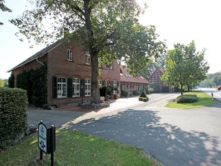 Renommierte Gaststätte mit Wohnungen und zwei Fachwerknebengebäuden im Außenbereich von Greven