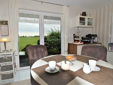 Ferienwohnung oder Dauerwohnsitz? Ein- bzw. Zweifamilienhaus mit freiem Blick ins Grüne in der Krummhörn (OT Jennelt)
