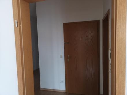 3 ZKB ca. 70 m² 01.09. n.VB 720,- 130,- inkl. ND-Zentrum, bezugsfertig,...