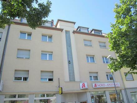 Nähe BASF und Klinikum ! Modernisierte 3 Zimmer Altbauwohnung für Menschen mit Kondition