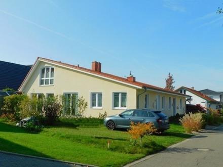 Bad Zwischenahn: Traumhaftes Wohnen in KfW 70 Architekten-Doppelhaushälfte, Obj. 4918