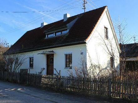 Solides Wohnhaus in Ortsrandlage